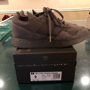 Adidas New York Present ARSHAM size 9